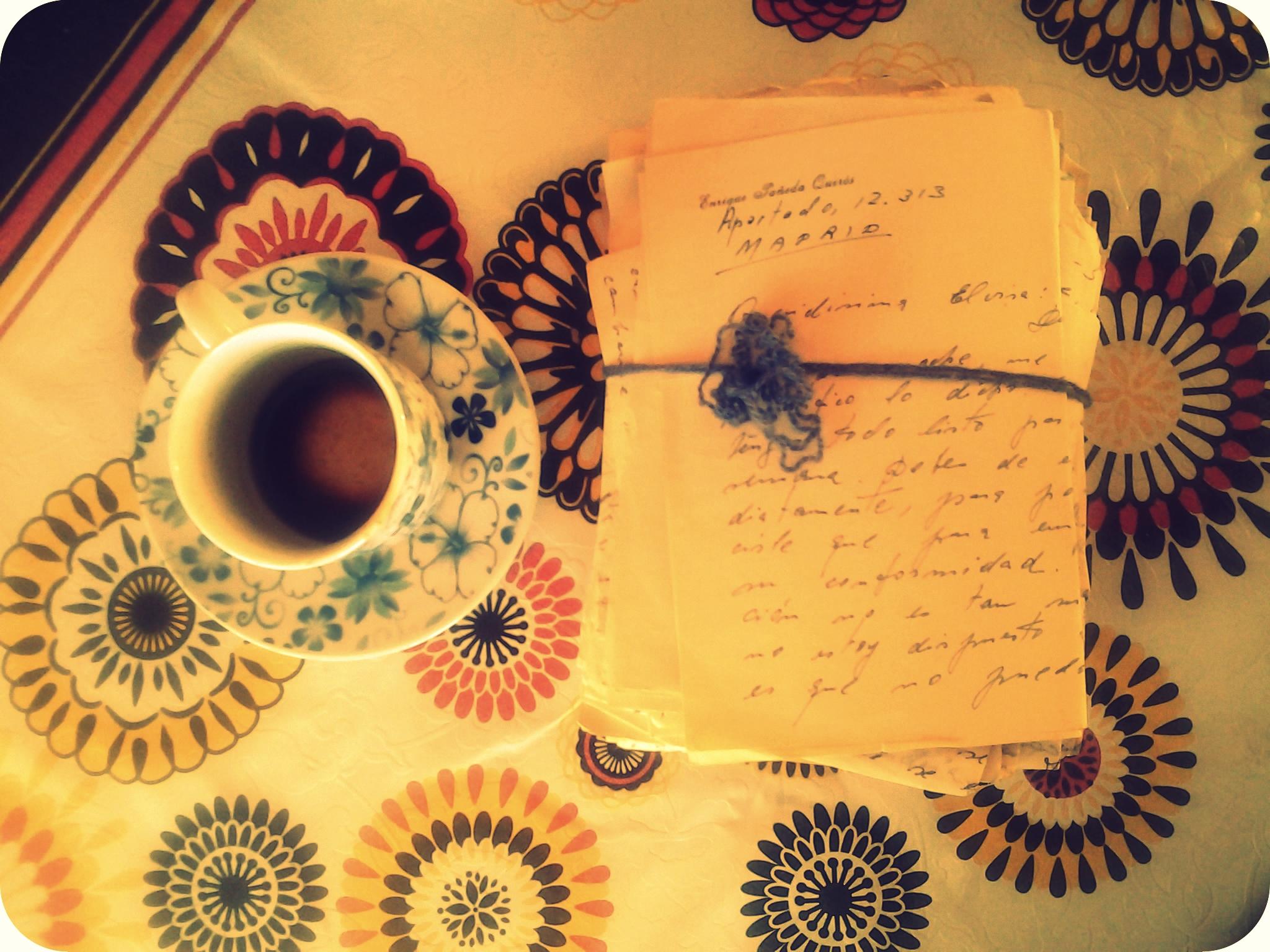 Posos de café y cartas